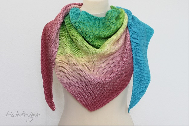 Tunisian crochet shawl Nereide, design by Silke Reibeling, Haekelreigen