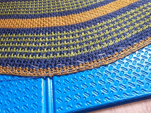 Blocking Tunisien crochet items with cables and pins