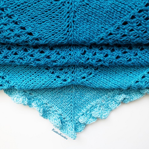 Châle au crochet tunisien Ruffles waters, design KnitterKnotter