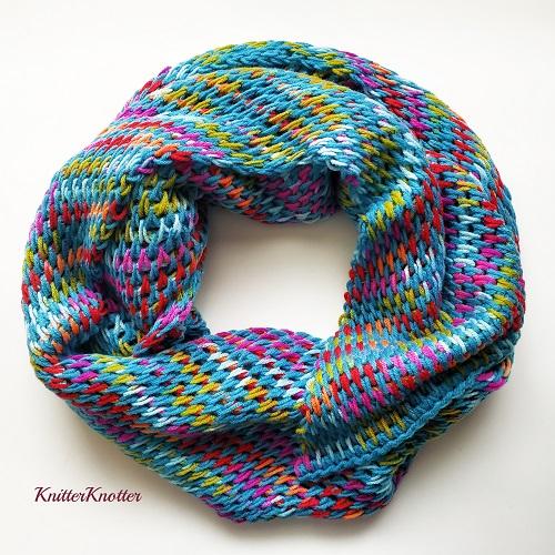Turquoise Fiesta Shawl, crochet tunisien, design KnitterKnotter