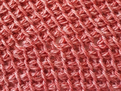 Short FwdP - close up photo with thin yarn (RetP chain + loop picked up under 1 thread)