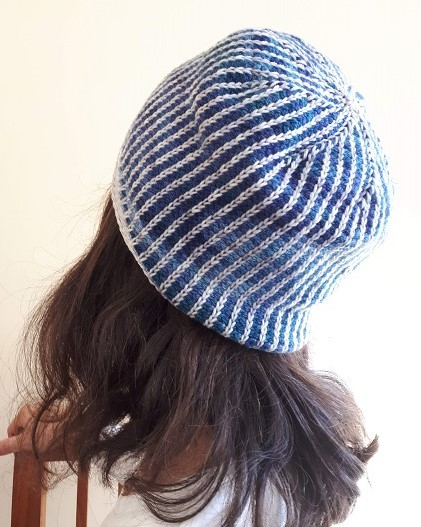 Tunisian crochet beanie La nuit des temps (Mists of time)