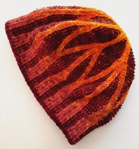 Bonnet Arches gothiques - association de points tricot et points arrière