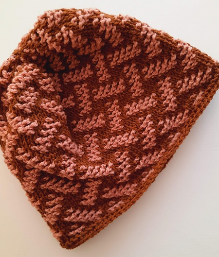 Beanie Mosaïque - bottom up construction - foundation in single crochet stitches