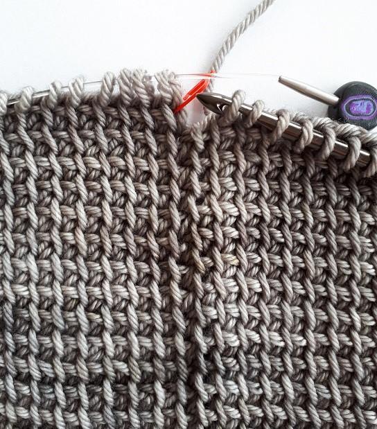 Maille d'accroche simple au crochet tunisien